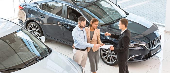 Promocje i oferty wyprzedaży nowych samochodów.