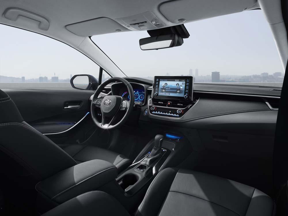 Toyota Corolla sedan - wnętrze